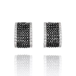 Pendientes realizados en oro blanco con diamantes negros briolés