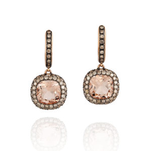 Rose gold earrings with a central morganite motif