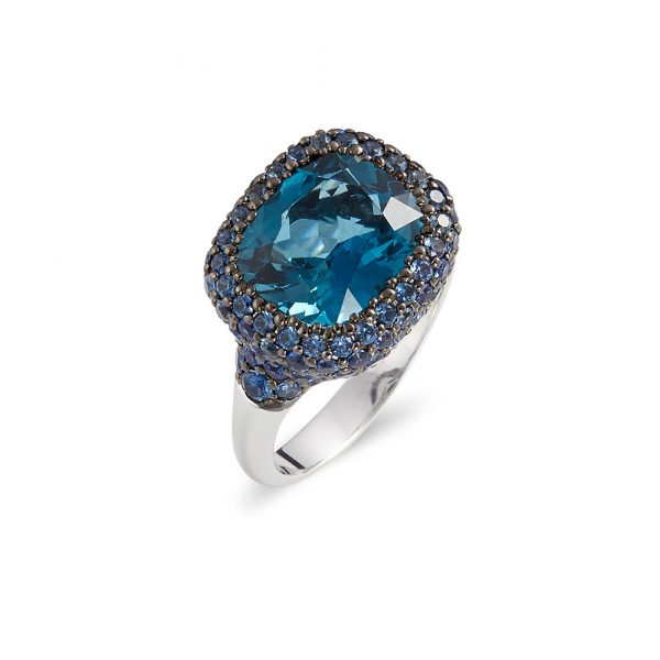 Anillo en oro blanco con centro London Blue
